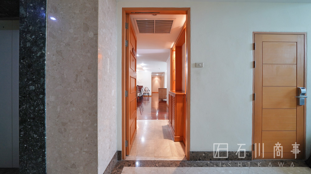 grand-39-tower_3br-1