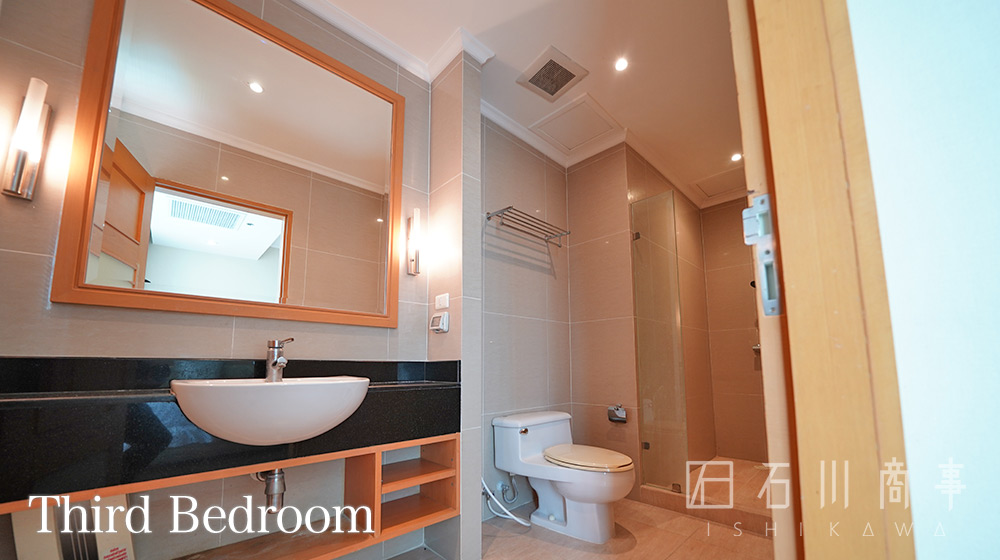 grand-39-tower_3br-33
