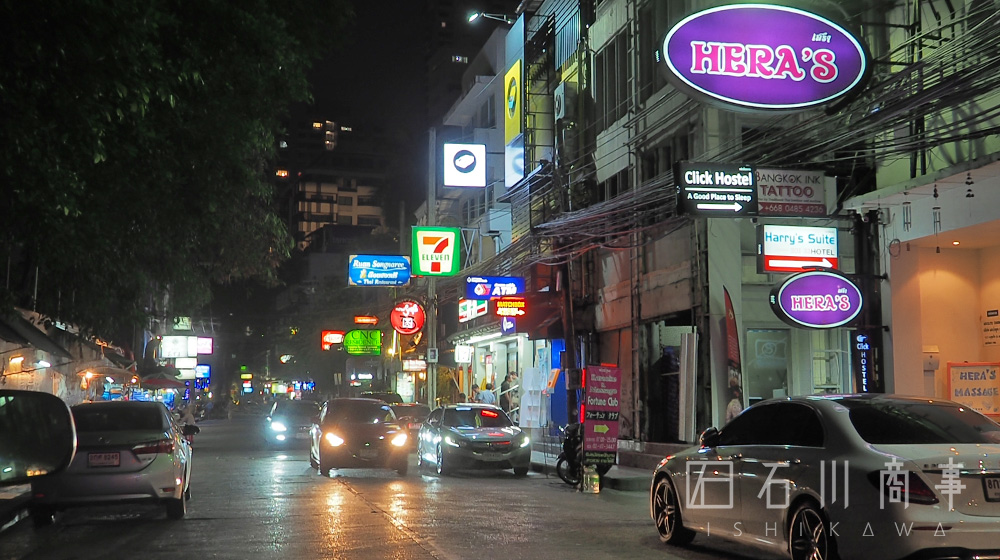 sukhumvit33-at-night_